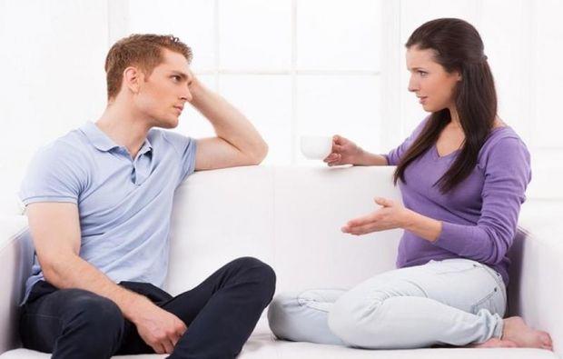 زوجي يفشي أسرار العائلة؟