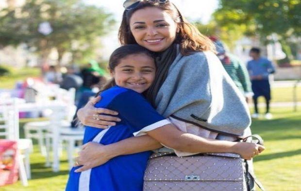 داليا البحيري مع ابنتها