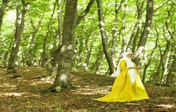 الاصفر من وحي الخيال,أزياء محجبات بالأصفر