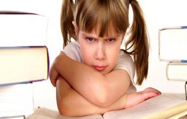 أسباب عصبية الطفل
